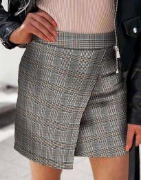 Къса атрактивна дамска пола с прехлупване в сиво каре - код 2544 - 3