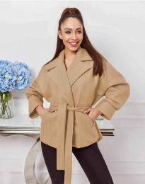 Късо дамско палто с колан в цвят капучино - код 0121