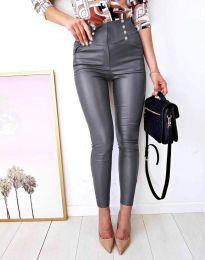 Втален дамски кожен панталон в сиво - код 9823
