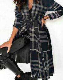 Ефектно дълго дамско палто с ресни и колан в черно и сиво каре - код 2891 - 1
