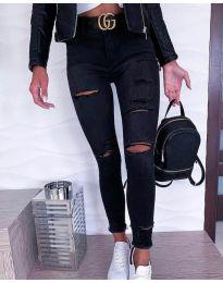 Вталени дамски черни дънки с кръпки - код 2893