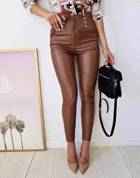 Втален кожен дамски панталон в кафяво - код 9823