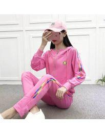 Спортен комплект с цветни детайли в розово - код 8030