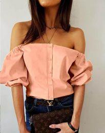Екстравагантна дамска риза с паднали рамене в цвят праскова - код 3525