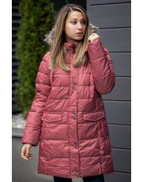 Дълго зимно дамско яке с цип и копчета в цвят корал с пух на качулката - код  9397