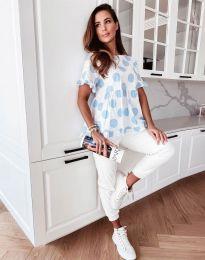 Атрактивна дамска блуза със светлосини мотиви - код 6181
