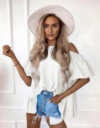Атрактивна елегантна свободна дамска блуза с паднали рамене в бяло - код 0157