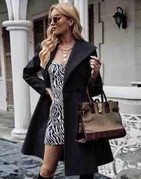 Елегантно вталено дамско палто в черно - код 3908